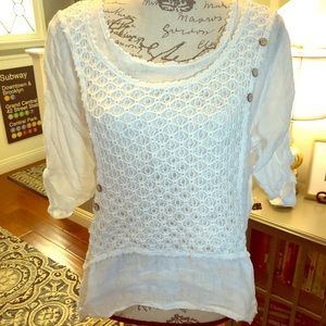 Tops - Gorgeous Italian linen blouse